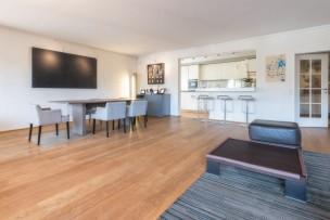 Superbe appartement de cinq pièces à Chêne-Bougeries