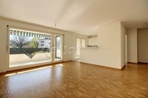 Lumineux et confortable appartement de quatre pièces au calme