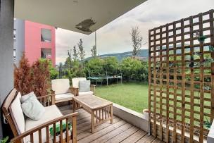 Beau rez-de-jardin neuf à cinq minutes de Genève