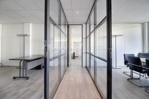Idéal investisseur : bureaux et parkings avec bail de location en cours