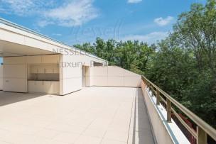 Lumineux attique d'exception à Champel